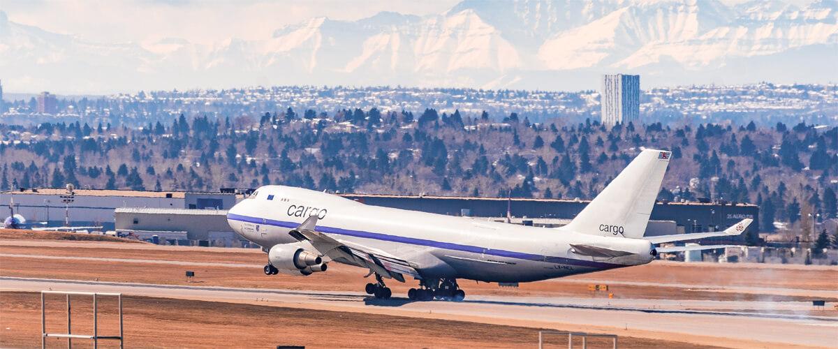 Avión modelo Boeing 747-8 400 ERF