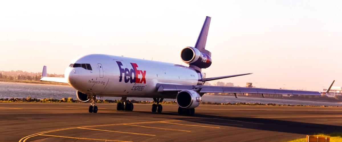 Envío de paquetería urgente en avión on board courier express