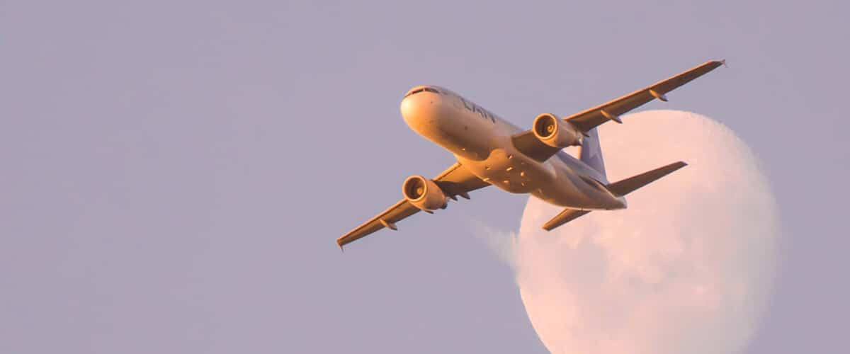 Envío express de mercancías por vía aérea