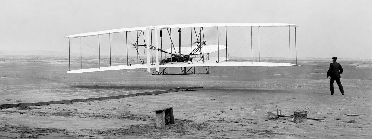 Primer vuelo controlado y sostenido - Hermanos Wright - 17 de diciembre de 1903