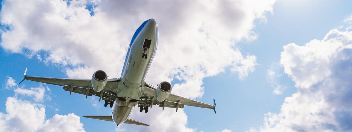 Transporte aéreo en avión mixto pasajeros y mercancías