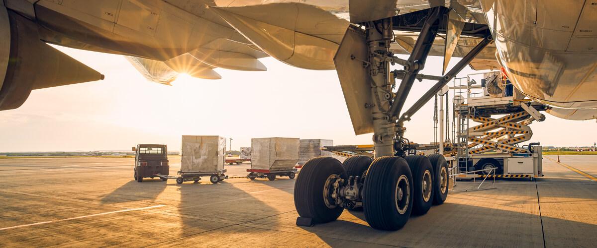 Transporte de mercancías en contenedores aéreos mediante chárter aéreo