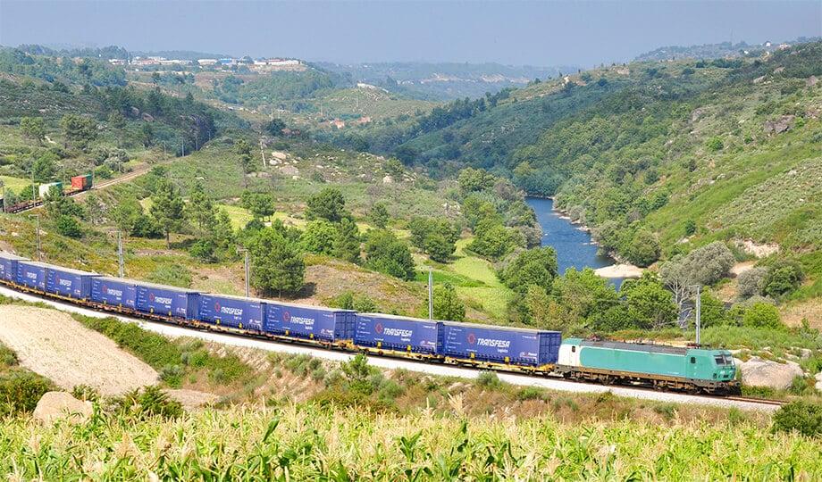 Transporte internacional de mercancías en tren Murcia Reino Unido