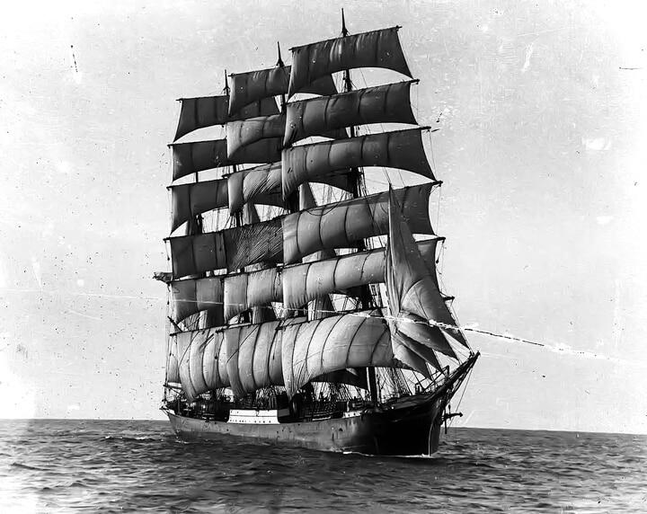 Historical image of the German merchant ship Pamir between 1905 and 1957