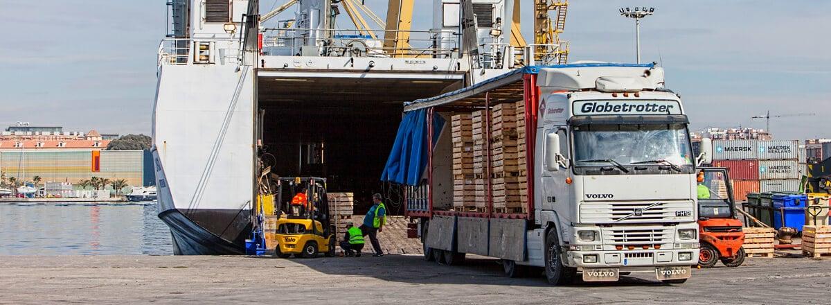 Break bulk vessel maritime transport of bulk or break bulk goods