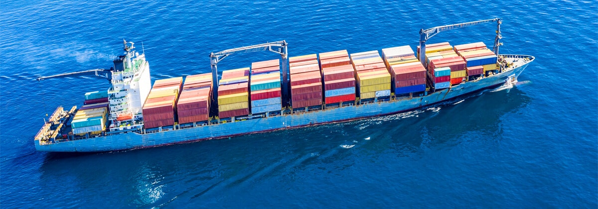 Maritime transport in sea container transport mode